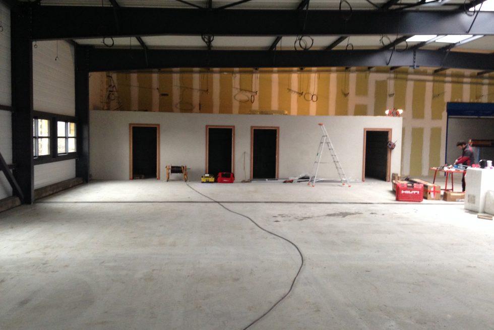 Qualea construction b timent industriel defontaine for Leclerc meubles basse goulaine